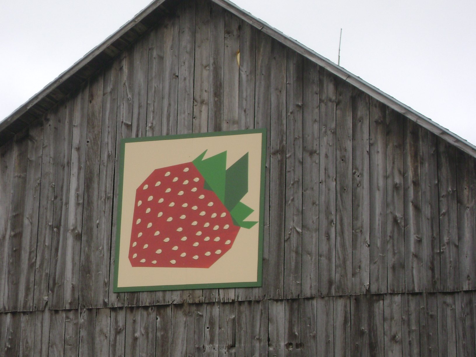 barn quilt strawberry